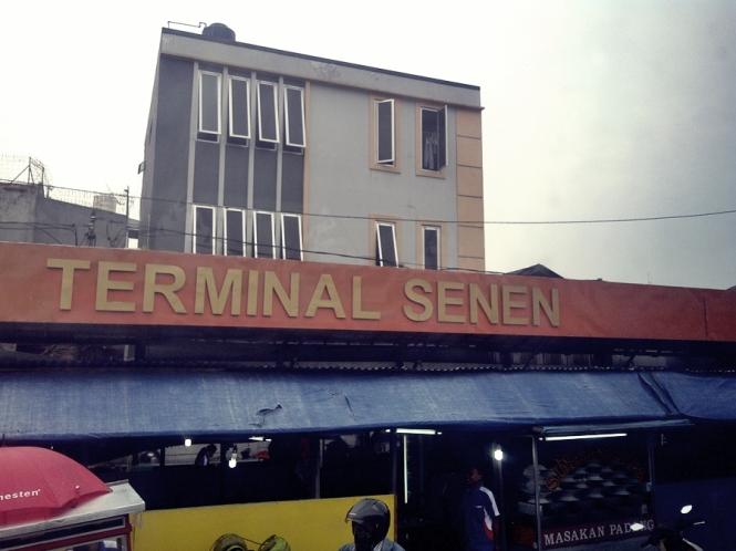 Hari senin ke terminal senen.